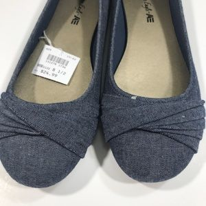 American Eagle women's shoes 8.5 flats NWOB